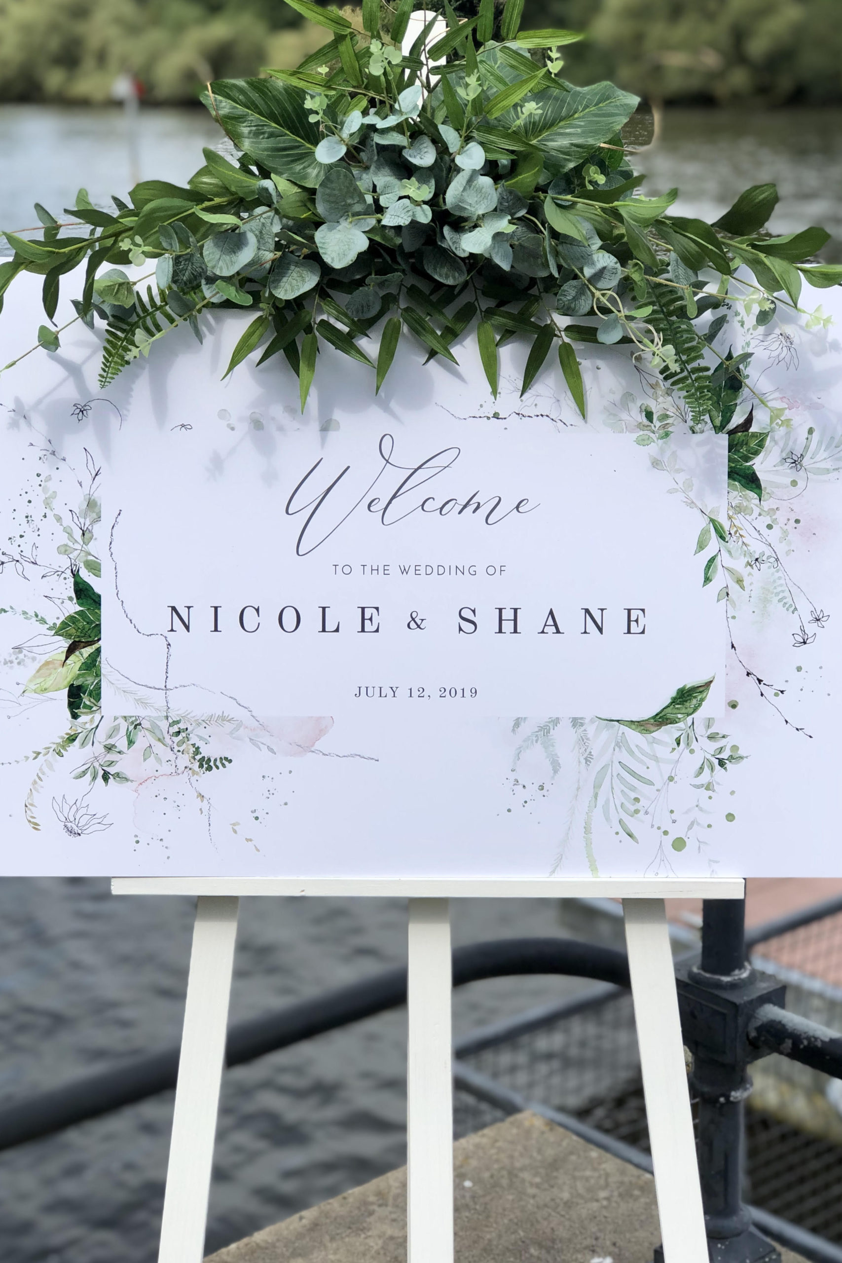 Welcome Sign-Foliage Design
